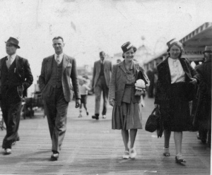 Reg Willats, Jesse Townsend, Eva sweet and Eileen O'Connor